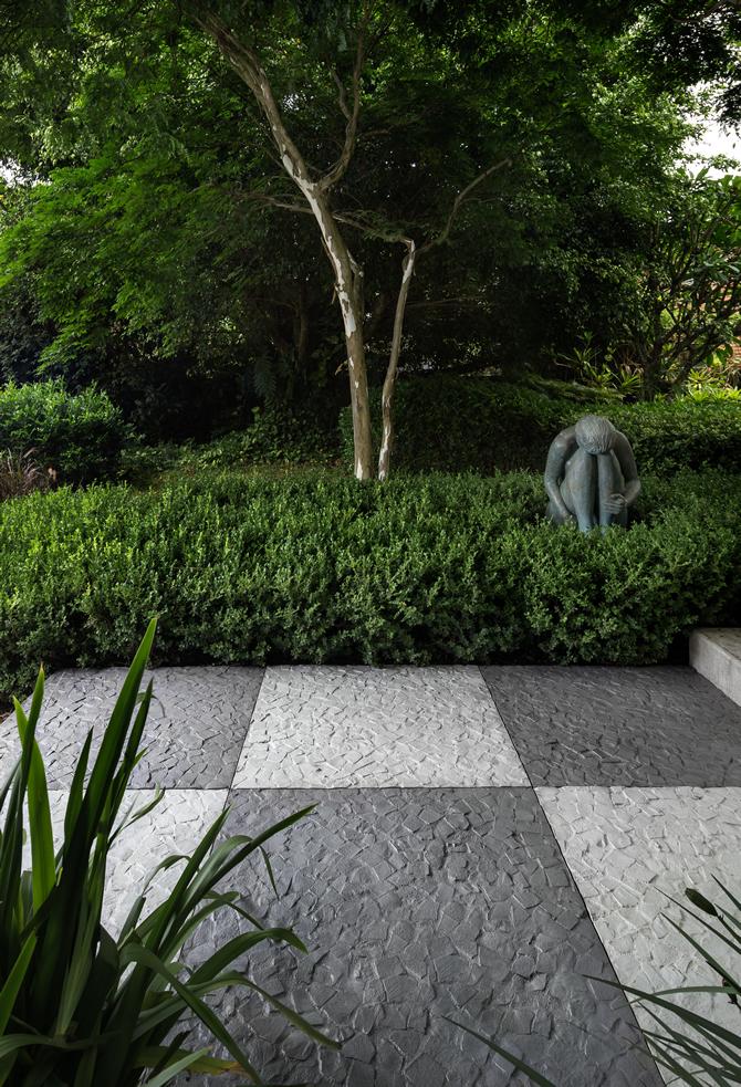 A linha Lisboa possui beleza da pedra original, mas com a funcionalidade de um cimentício